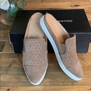 BCBGeneration slip-ons size6 taupe in box